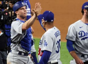 Smith, Dodgers advance to NLCS